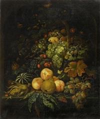 grosses früchtestilleben in einer nische by abraham mignon