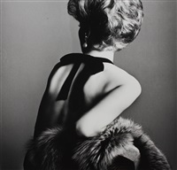 woman with bare back by irving penn