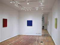 installation view - second room- red painting, 2004 (left), blue painting, 2002 (middle), yellow painting, 2004 (right) by joseph marioni