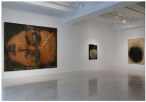 installation view by antoni tàpies