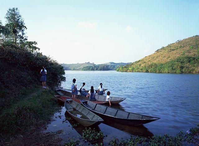 staring at the lake 2 by weng fen (weng peijun)