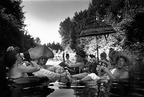 the seattle tubing society: in full float by burt glinn