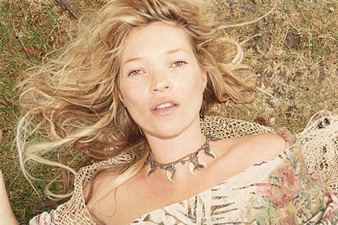 kate moss, gloucestershire, 2010, no. 4 by juergen teller