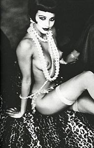 maria luisa with white pearls, new york by ellen von unwerth