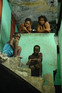 bidonville, carrefour, port-au-prince, 8 juillet 2010 by stanley greene