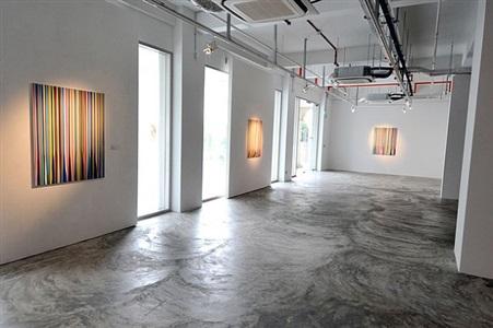 installation view - ian davenport: between the lines 2 by ian davenport