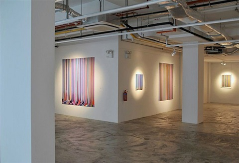 installation view - ian davenport: between the lines 4 by ian davenport