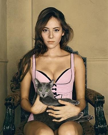 jessica, portrait au chat, tokyo by bettina rheims