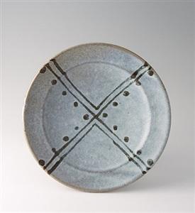 plate, white glaze with tetsue brushwork by shinsaku hamada