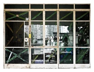 2 de mayo de 2017, from the series re-construcción by alejandro gonzález