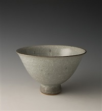 pointed bowl, feldspathic glaze by young jae lee