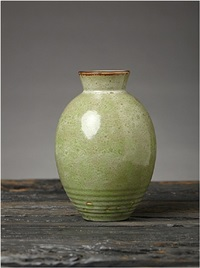 flawless jade vase by émile decoeur