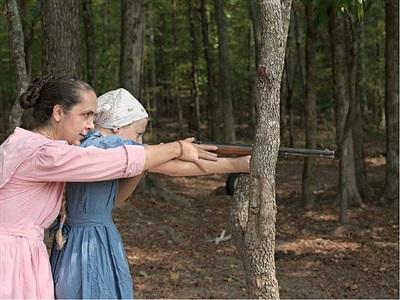 rita and cora aiming, tennessee by lucas foglia