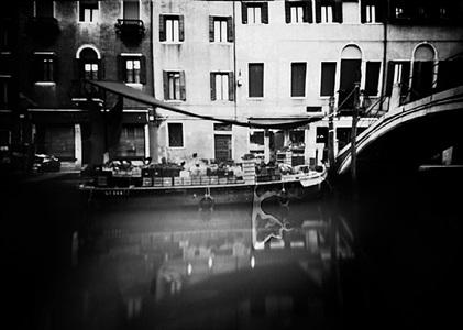 """pinhole 055/ canale di san barnaba, venezia, 9'00"""" by laura fiorio"""
