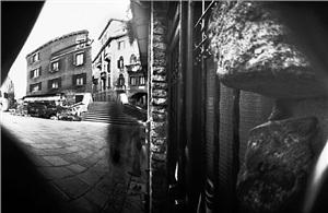 """pinhole 076 / rivetta venezia 5'00"""" by laura fiorio"""