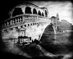 "pinhole 014/ rialto venezia, 1'20"" by laura fiorio"