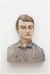 man in grey shirt (bust) by stephan balkenhol