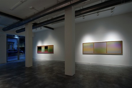 exhibition view by carlos cruz-diez
