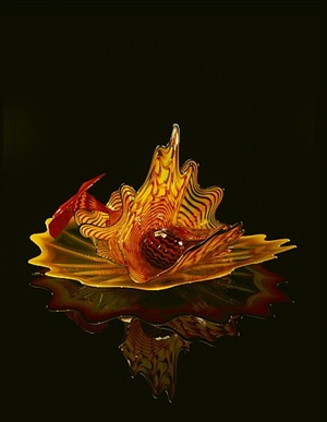 flaming orange-red persian set with black lip wrap by dale chihuly
