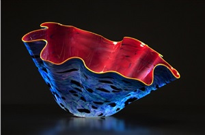 vassar rose macchia with golden lip wrap by dale chihuly