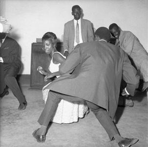 danser le twist by malick sidibé