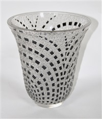 damiers vase by rené lalique