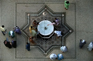 morocco. fez. moulay idriss. courtyard of the zaouiya. 1993. by bruno barbey