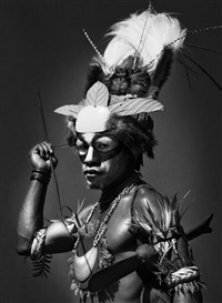 performer at the mount hagen sing sing festival, papua new guinea, 2006 by sebastião salgado