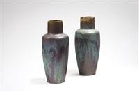 paire de vases en grès à corps conique épaulé et haut col annulaire / pair of sandstone vases with conical body and high neck by pierre-adrien dalpayrat